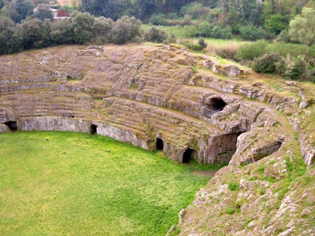 Il parco archeologico di Sutri