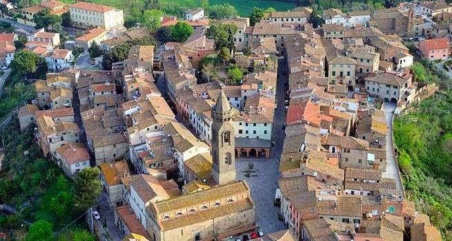 Il panorama del borgo di Tuscania