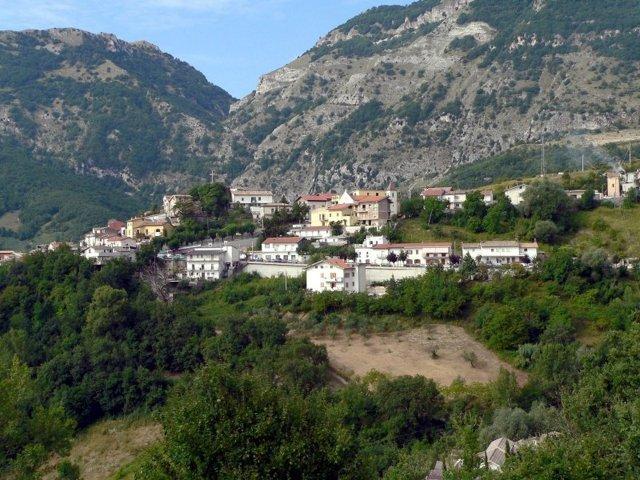 Il panorama del borgo di Villa Celiera