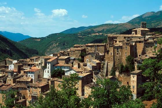 Il panorama del borgo di Acciano