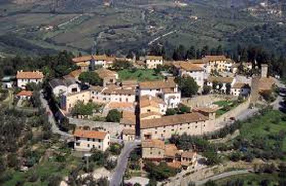 Un'immagine aerea del panorama del borgo di Carmignano