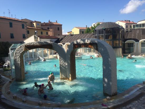 La piscina di Casciana Terme Lari