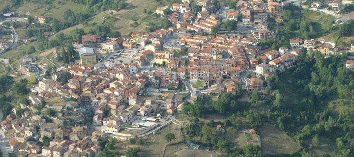 Il panorama del borgo di Catellafiume