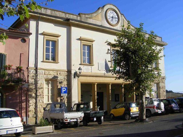 Il municipio di Castellina Marittima