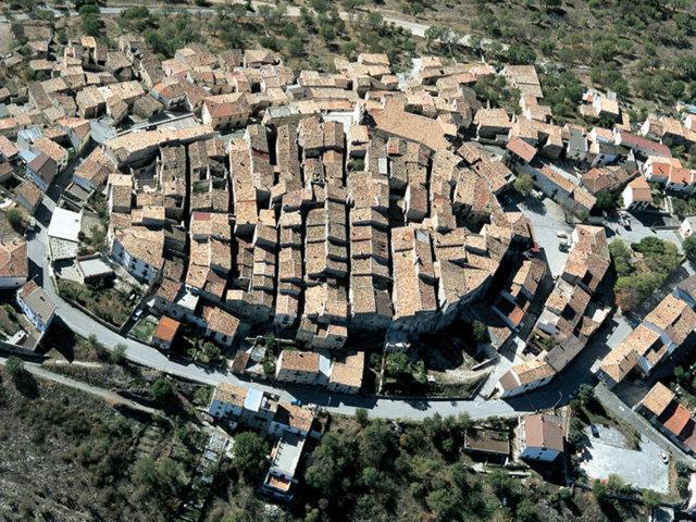Una foto panoramica di Castelvecchio Calvisio