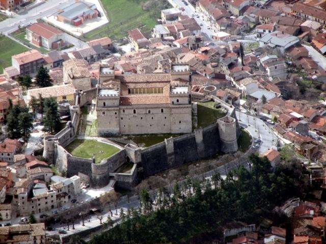 Celano ed il suo castello Piccolomini