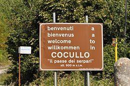 Il cartello stradale di Cocullo