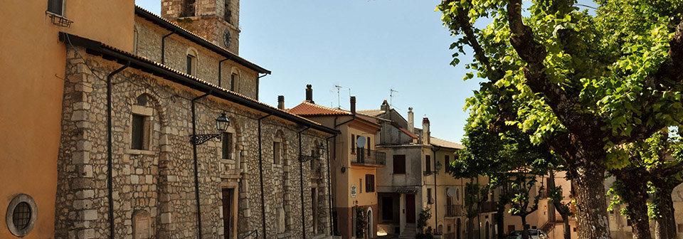 Uno scorcio del borgo di Collelongo