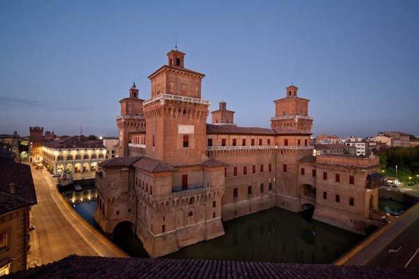 Ferrara e il suo castello estense