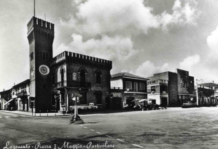 Un'immagine storica della piazza di Lagosanto