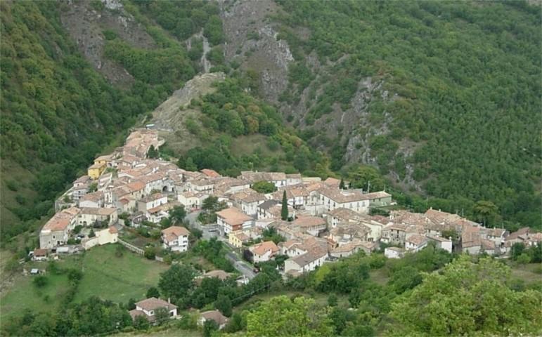 Il panorama di Collimento, frazione di Lucoli