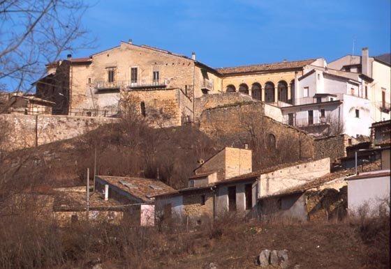 Uno scorcio del borgo di Molina Aterno