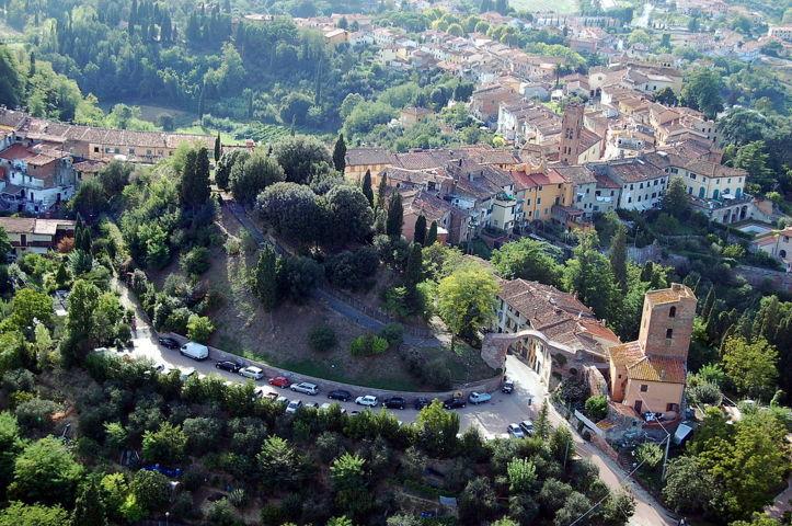 Una veduta aerea di Montopoli in Val d'Arno
