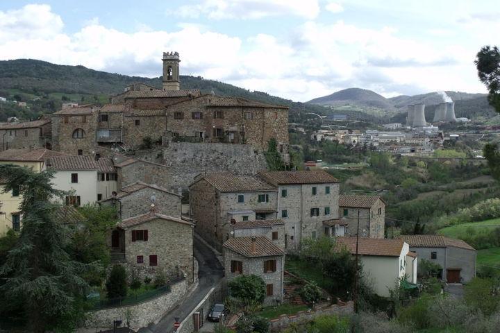 Il panorama del borgo di Pomarance