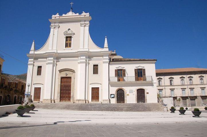 La chiesa di Santa Maria Maggiore di Raiano