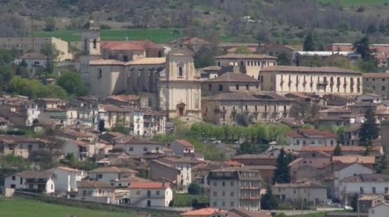 Il panorama del borgo di San Demetrio ne' Vestini