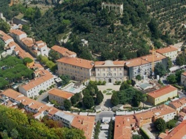 Una panoramica aerea di San Giuliano Terme