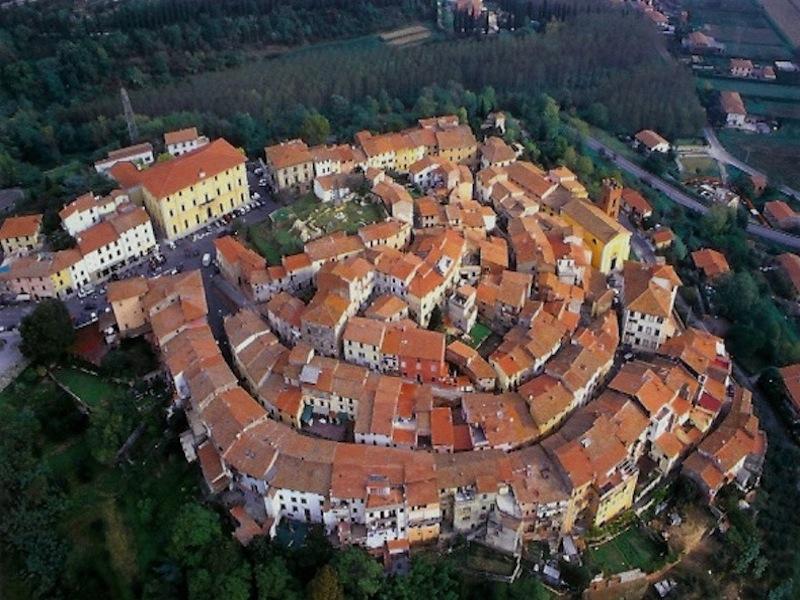 Il panorama del borgo di Santa Maria a Monte