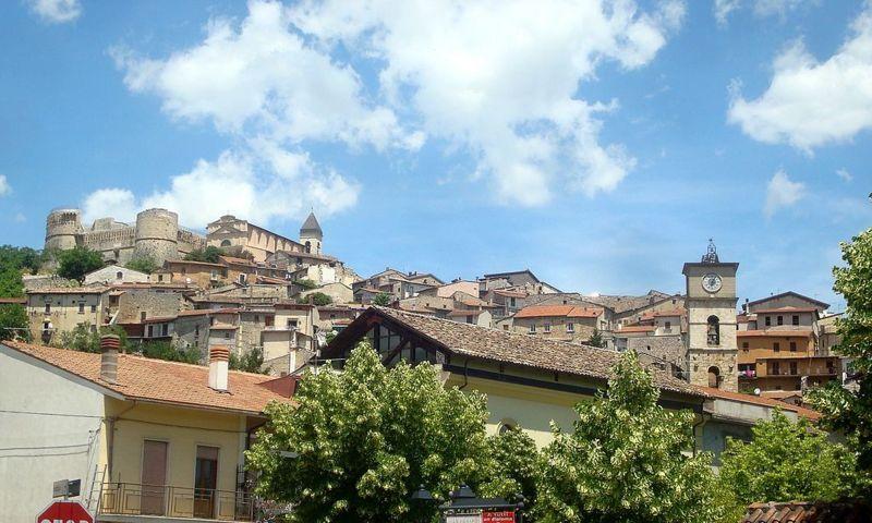 Il panorama del centro storico di Scurcola Marsicana