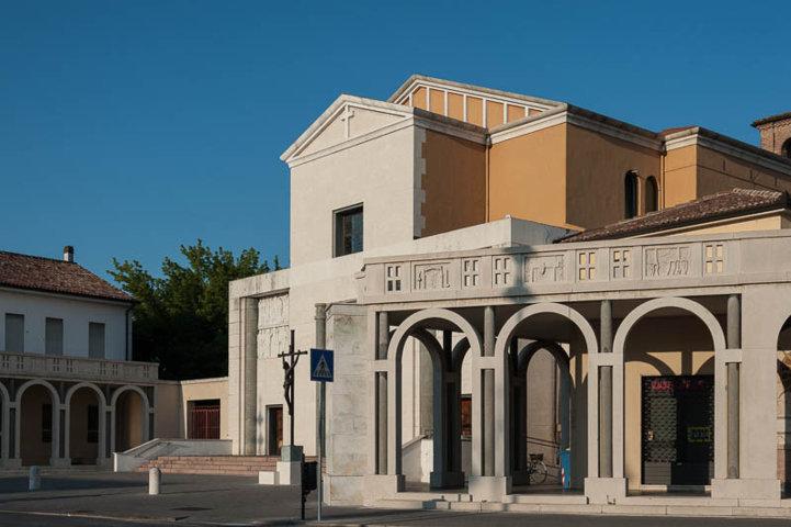 La chiesa Sant'Apollinare di Tresigallo