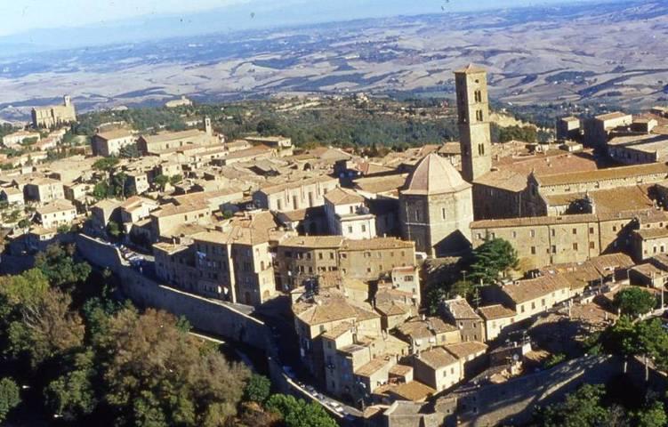 Il panorama del borgo di Volterra
