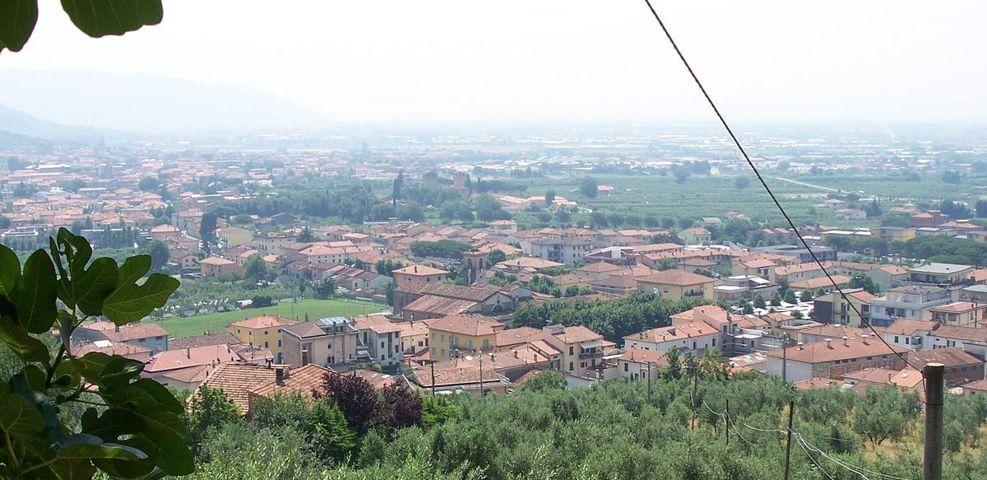 Il panorama del borgo di Montale