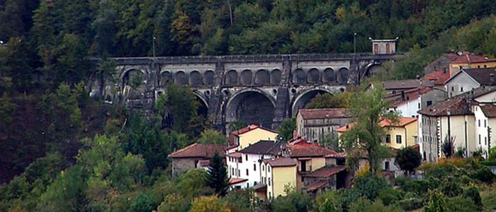La panoramica del borgo di Sambuca Pistoiese