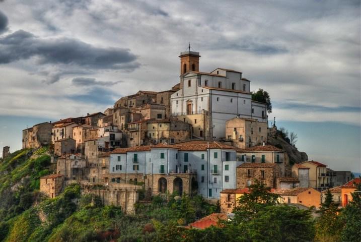 Il panorama del borgo di Altino