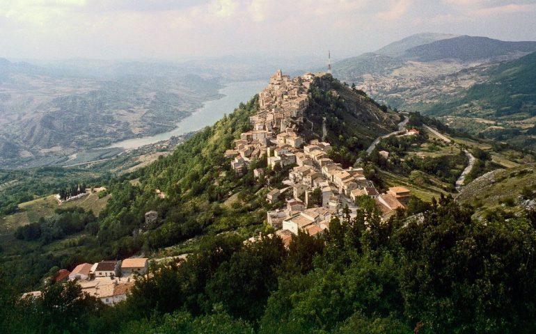 Un'immagine aerea di Monteferrante