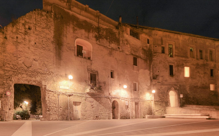 Il palazzo monaci di Capena