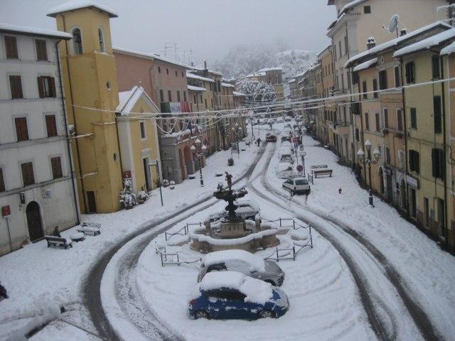 Uno scorcio del borgo con la neve di Montelanico