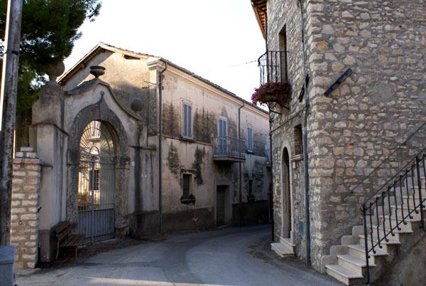 Uno scorcio del borgo di Casaprota