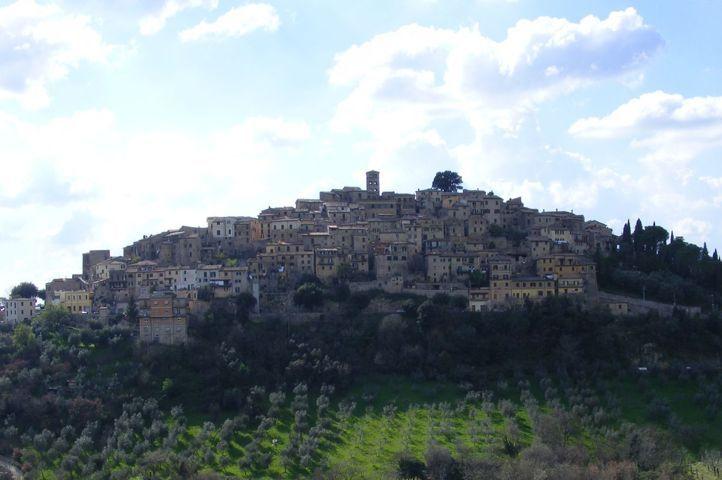 Il panorama del borgo di Casperia