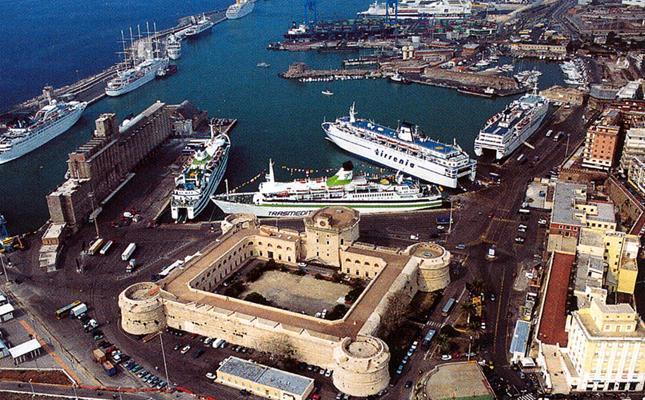 Un'immagine aerea di Civitavecchia