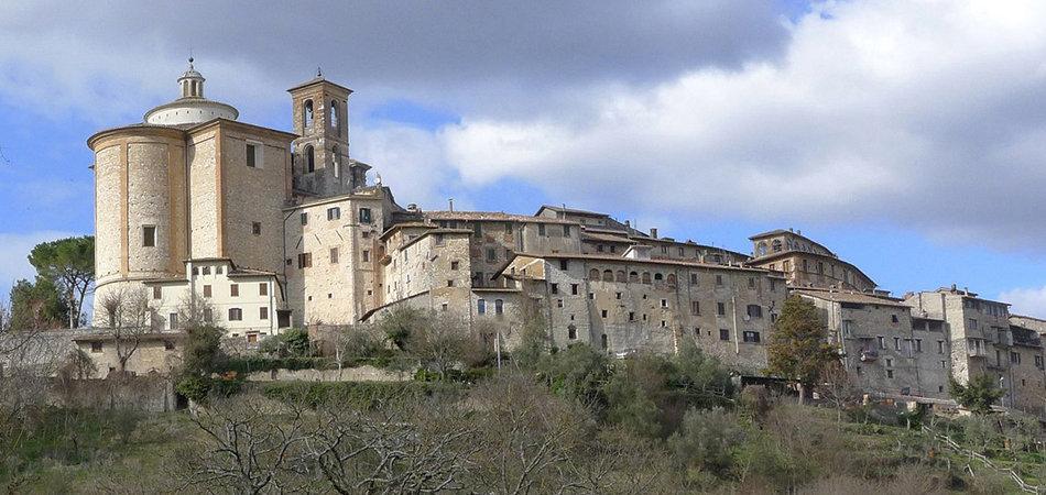 Il panorama del borgo di Contigliano