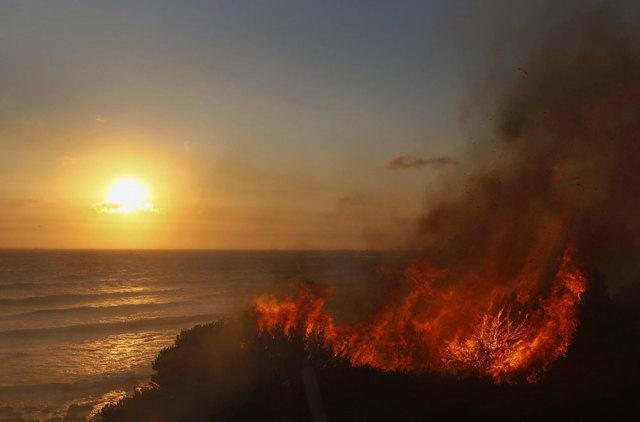 Il fuoco sul mare