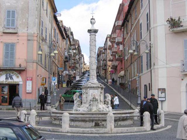 Lo scorcio del borgo di Genzano di Roma