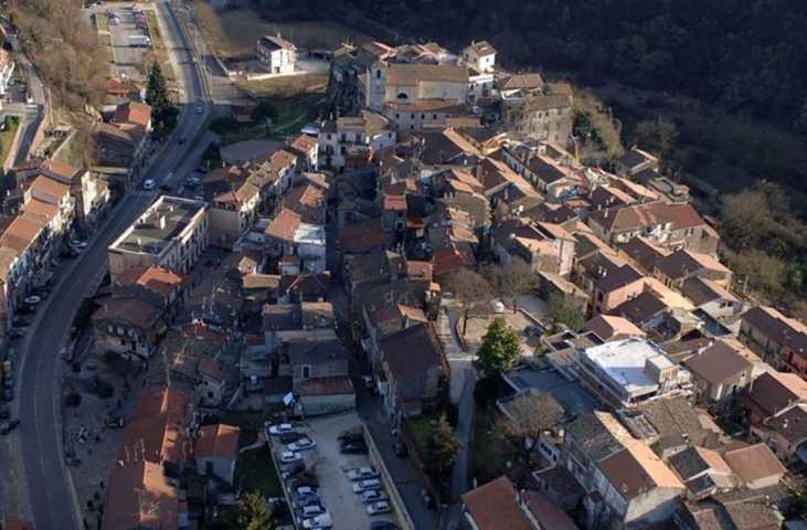 Un'immagine aerea di Labico
