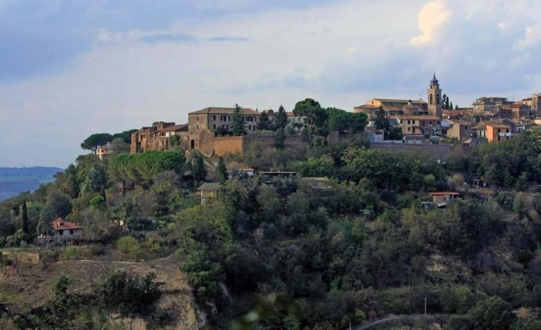 Il panorama del borgo di Magliano Sabina