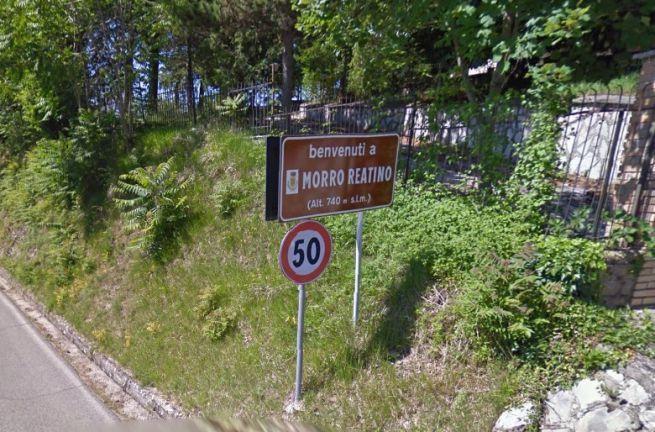 Il cartello stradale di Morro Reatino
