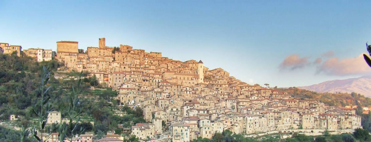 Il panorama del borgo di Olevano Romano