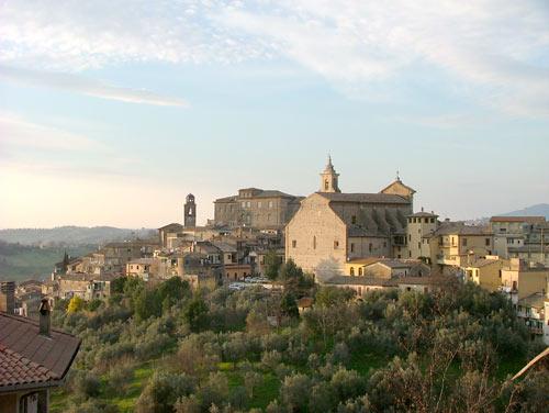 Il panorama del borgo di Poggio Mirteto