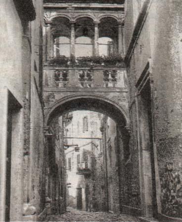 Un'immagine antica della loggetta di Segni