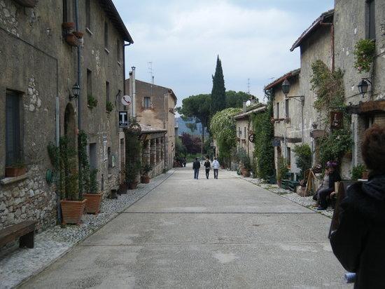 Lo scorcio del borgo di Toffia