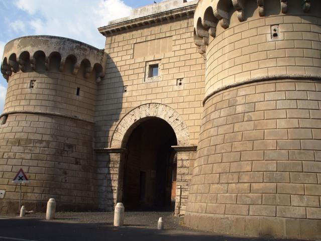 La porta napoletana di Velletri