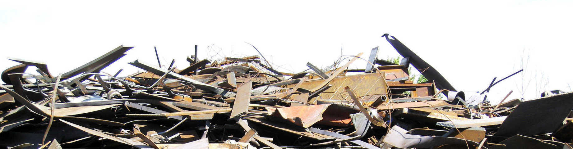 Vietato bruciare legna proveniente da demolizione