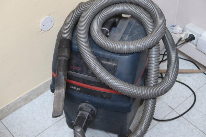 Per la pulizia della stufa a pellet l'aspiratore aiuta