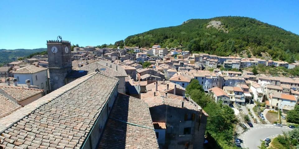 Il panorama dei tetti di Castell'Azzara