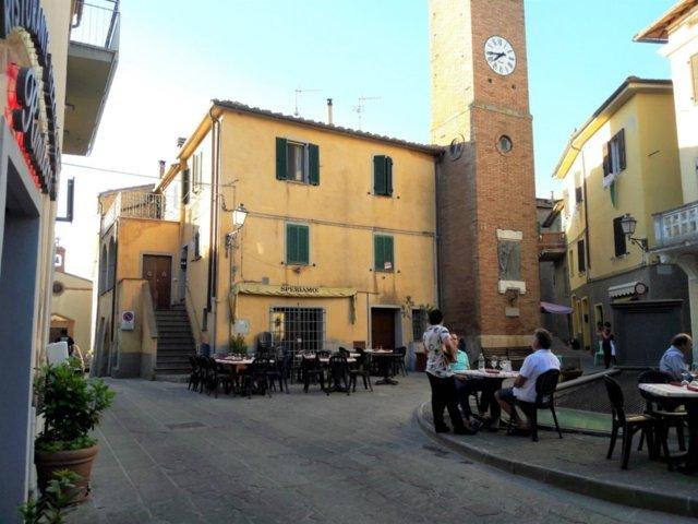 La torre con l'orologio di Cinigiano