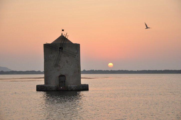 Il mulino di Orbetello al tramonto